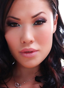 sex pics Comely mature Asian London Keyes, nipples , spreading  babe