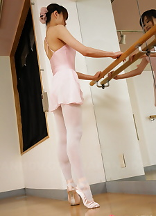 japanese sex pics Beautiful Japanese dancer Ririka, nipples , skirt